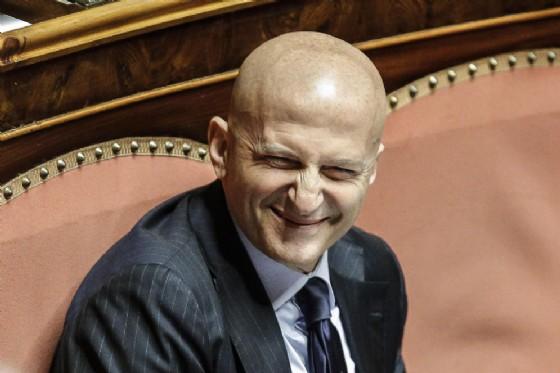 Augusto Minzolini prendendo la parola nell'aula del Senato chiamata a votare la sua richiesta di dimissioni