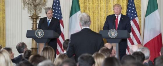 La conferenza stampa tra Paolo Gentiloni e Donald Trump.