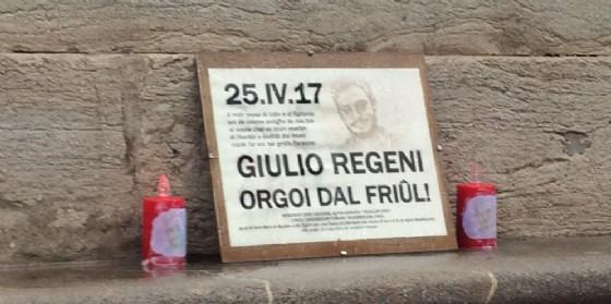 In piazza Libertà è apparso anche questo omaggio a Regeni