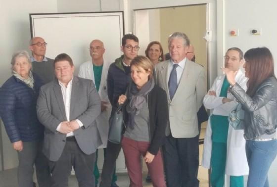 Maria Sandra Telesca (Assessore regionale Salute, Integrazione socio-sanitaria, Politiche sociali e Famiglia) in sopralluogo al cantiere dell'Ospedale (© Regione Friuli Venezia Giulia)
