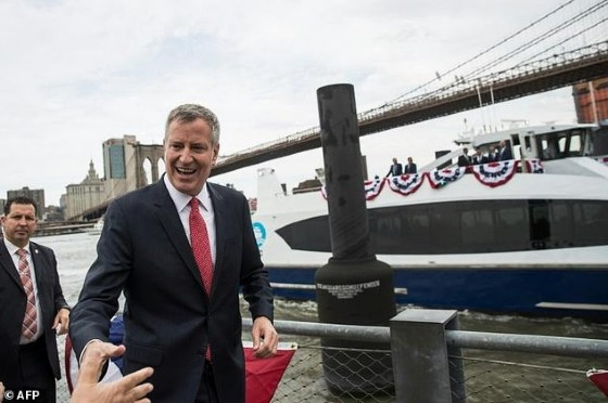 New York mayor Bill de Blasio denounced Trump's «illogical and unconstitutional desire to scapegoat immigrants»