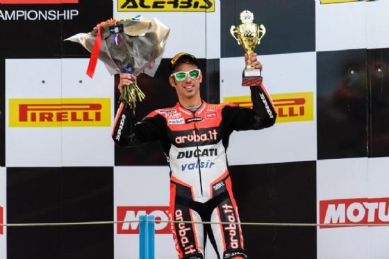 Marco Melandri sul podio