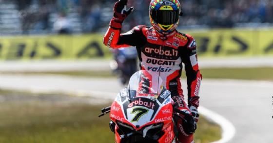 Chaz Davies festeggia il terzo posto ad Assen (© Ducati)