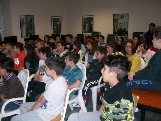 I ragazzi delle scuole medie all'incontro della Polizia Penitenziaria