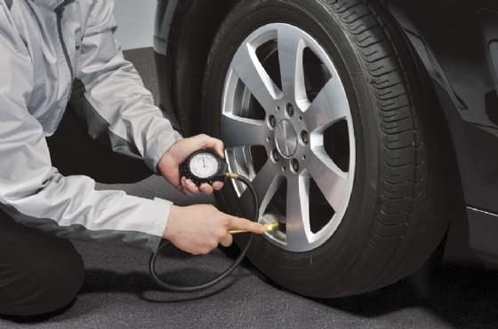 Domenica 7 maggio controllo gratuito dei pneumatici al punto vendita Ikea di Gorizia (© Quattroruote Electric Tour)