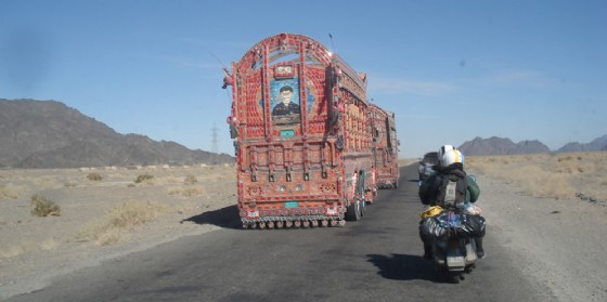 Pakistan in marcia verso Quetta (© Paolo Zambon)