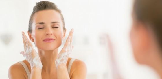 Ecco quali routine adottare per le pelli mature