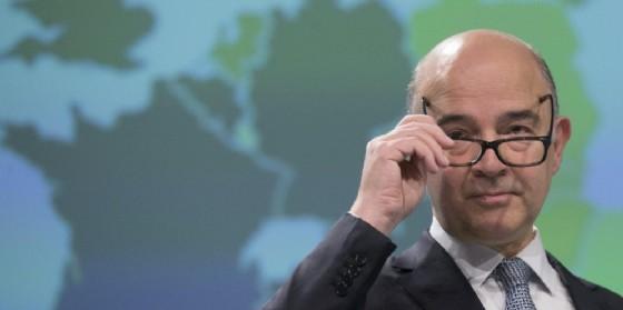 Il commissario Ue agli Affari economici e finanziari. (© ANSA/ EPA/OLIVIER HOSLET)