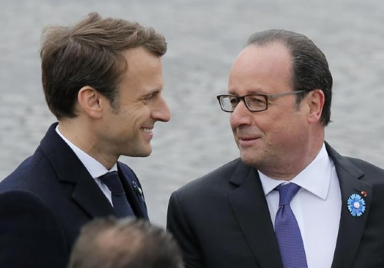 Emmanuel Macron con il Presidente francese uscente, Francois Hollande