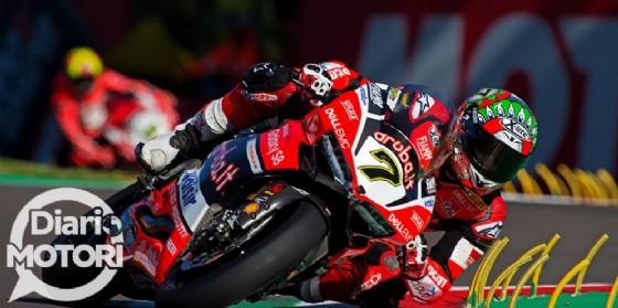 Chaz Davies in azione sulla sua Ducati in gara-1 a Imola (© Agenzia Bonora/Diario Motori)