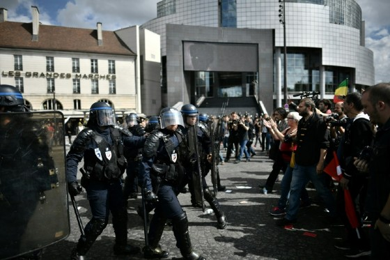 French protesters demonstrated against labour and employment law reforms in 2016