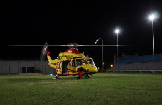 Elicottero nell'area sportiva (© Comune di Pray)