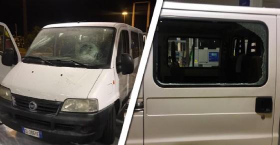 Tifosi Juve aggrediti da ultras del Napoli: 'Volevano bruciare il furgone'