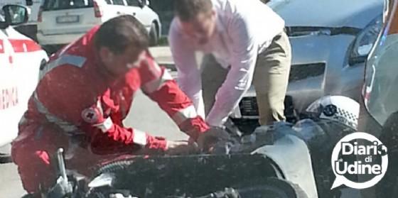 Incidente in viale Palmanova: scontro auto, moto (© Diario di Udine)