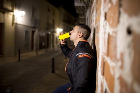 Energy drink, un ragazzo di 16 anni è morto (© maxriesgo   shutterstock.com)
