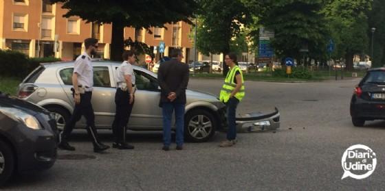 Incidente in piazzale Cella: traffico bloccato in viale Duodo (© Diario di Udine)
