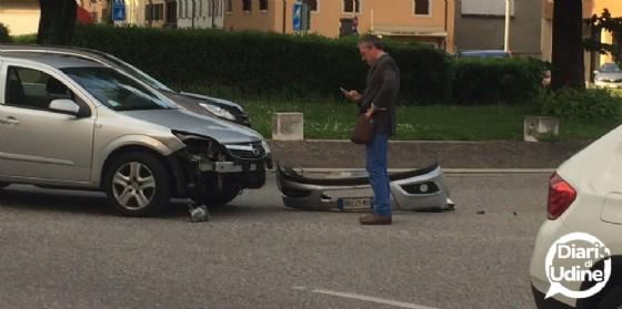Incidente in piazzale Cella: traffico bloccato in viale Duodo