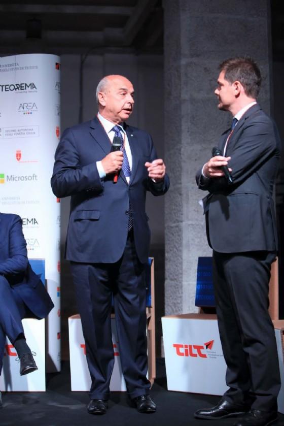 """Il sindaco Dipiazza nel corso dell'evento """"Tilt-impresa, economia digitale e star up. Innovazione tra passato e futuro"""" (© Comune di Trieste)"""