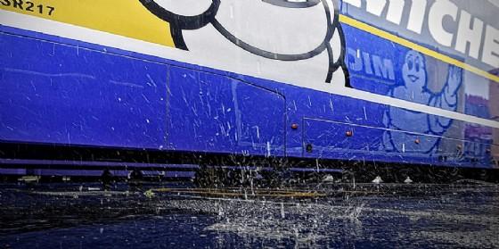 L'asfalto bagnato di Le Mans (© Michelin)