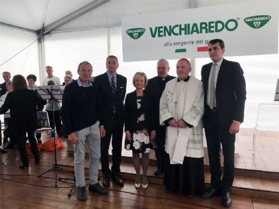 Il vicepresidente della Regione Bolzonello alla veglia di preghiera per il lavoro, svoltasi all'azienda Venchiaredo (© Foto ARC Liberti)