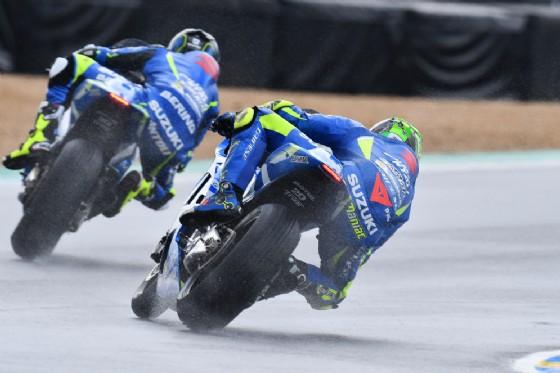 Andrea Iannone con il suo compagno di squadra in Suzuki per questa gara, Sylvain Guintoli