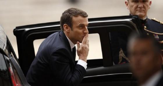 Giornalisti contro Macron Non puoi scegliere chi segue i tuoi viaggi