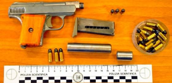 Nel camion sono state trovate una pistola e alcune pallottole