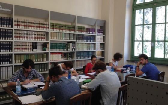 Una delle sale di lettura della nuova biblioteca (© Diario di Biella)