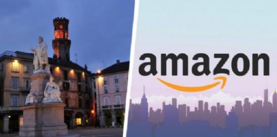 In coda in Piazza Cavour per candidarsi per Amazon (© Diario di Biella)