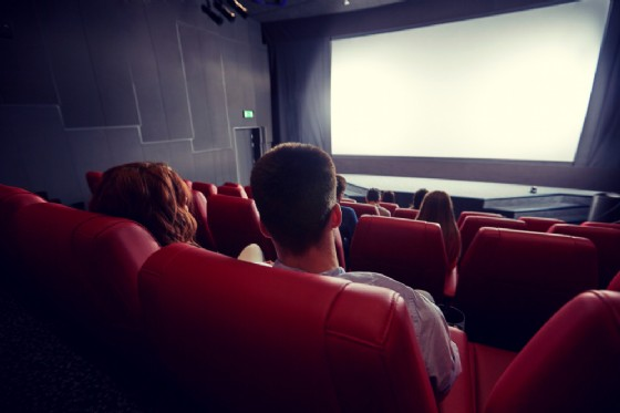 A Cuorgnè la rassegna «Due città al Cinema» (© Syda Productions - shutterstock.com)