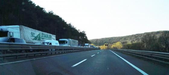 Incidente tra mezzi pesanti in autostrada: 12 km di coda in direzione Trieste (© Diario di Udine)
