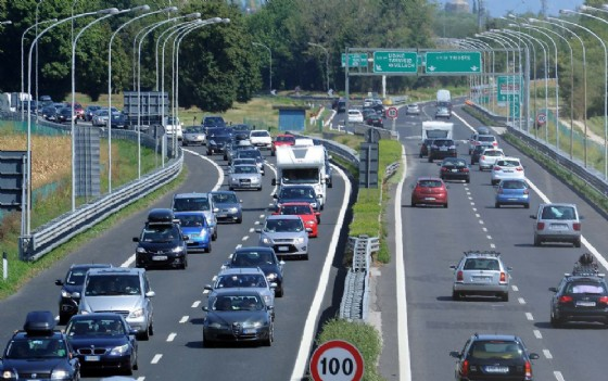 Autostrade: traffico intenso in A4