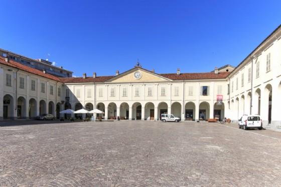 Piazza Ottinetti a Ivrea, al via il Cantiere delle Idee (© outcast85 - shutterstock.com)