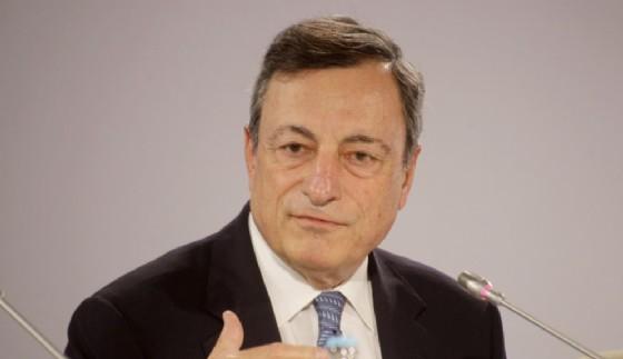 Il banchiere centrale Mario Draghi è intervenuto in conferenza stampa da Tallin dopo il Consiglio direttivo della Bce.