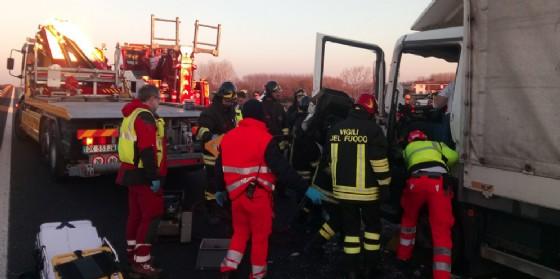 Autostrada. Bus tamponato da un camion: giovani passeggeri e autista rimangono feriti (© Autovie Venete)
