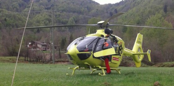 Bimba cade da 4 metri d'altezza: elitrasportata all'ospedale, è grave (© Diario di Udine)