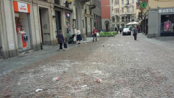 Via Italia, dopo il passaggio degli studenti questa mattina