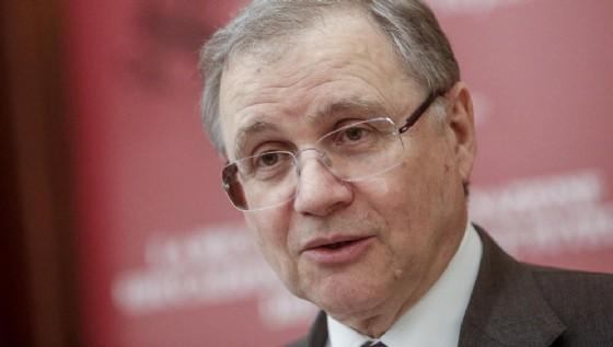 Il governatore di Bankitalia, Ignazio Visco, è tornato ad attaccare le istituzioni comunitarie.