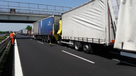 Incidenti in A4: gli autotrasportatori si difendono (© Autovie Venete)