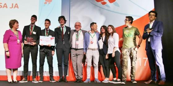 La mini-impresa MaCo Innovation del Malignani vince la finale nazionale di Junior Achievement (© Friuli Innovazione)