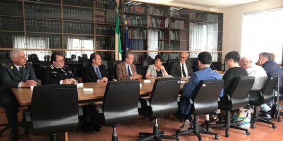 Sergio Bolzonello (Vicepresidente Regione FVG e assessore Attività produttive, Turismo e Cooperazione) e Maria Rosaria Laganà (Prefetto Pordenone) alla firma del Protocollo di legalità, in Prefettura (© Foto ARC Liberti)