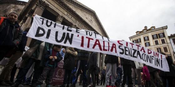 Manifestazione a favore dello ius soli davanti al Pantheon a Roma