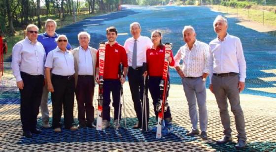 IL vicepresidente del Friuli Venezia Giulia, Sergio Bolzonello, ha visitato il complesso sportivo sul Carso triestino (© Sci Club 70 Trieste)