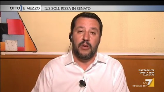 Il leader della Lega, Matteo Salvini, commentando la bagarre scoppiata ieri in Senato durante la discussione per l'approvazione della legge sullo «Ius Soli»