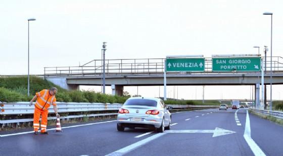 Autostrada chiusa nella notte tra sabato e domenica