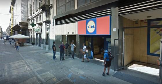 Un arresto in via Carlo Alberto (© Google Street View)