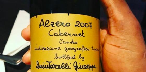 Lebron dimostra di apprezzare il vino italiano (© Instagram)