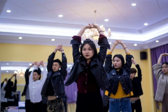 Hordes of Chinese millennials are speaking directly to the country's 700 million smartphone users, streaming their lives to lucrative effect, fronting brands and launching businesses.