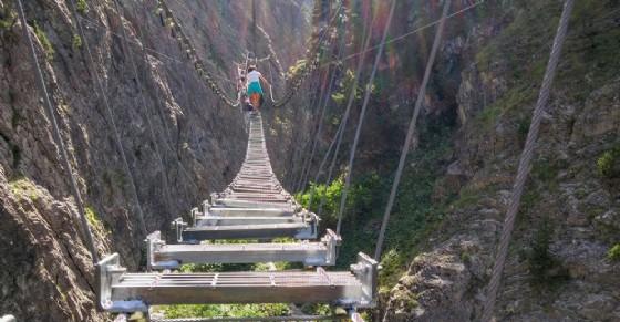 Risultati immagini per ponte tibetano claviere