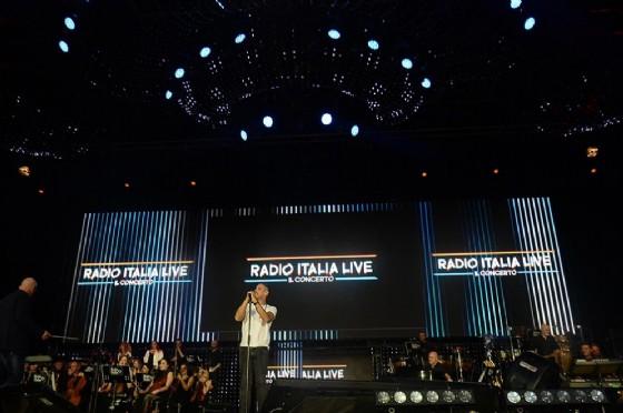 Fiorello-Gianni Morandi: la polemica impazza sul web